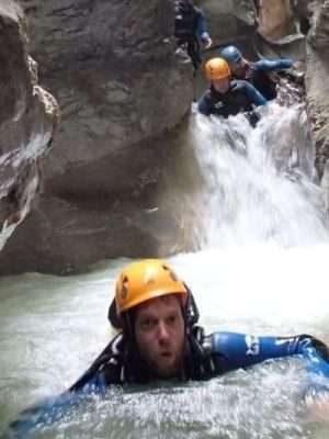 dans les gorges aquatique du canyon de Coiserette dans le jura